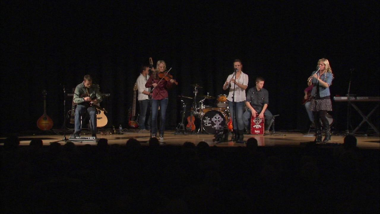 The Willis Clan, whose familys name is associated with a tragedy that eventually sent former Gov. George Ryan to prison, performed Friday night in Chicago.