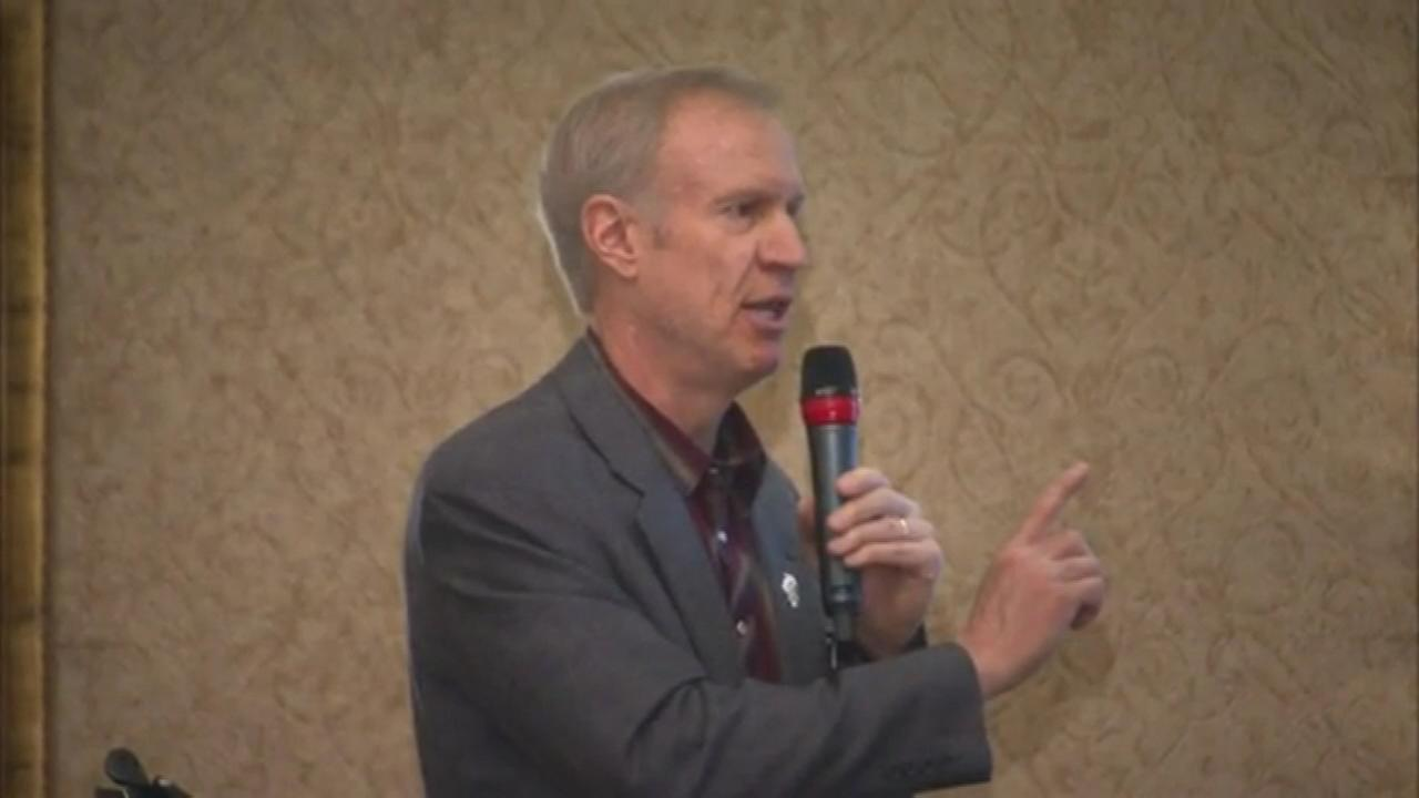 Governor Bruce Rauner spoke to a group of suburban mayors Saturday about the challenges the state faces.