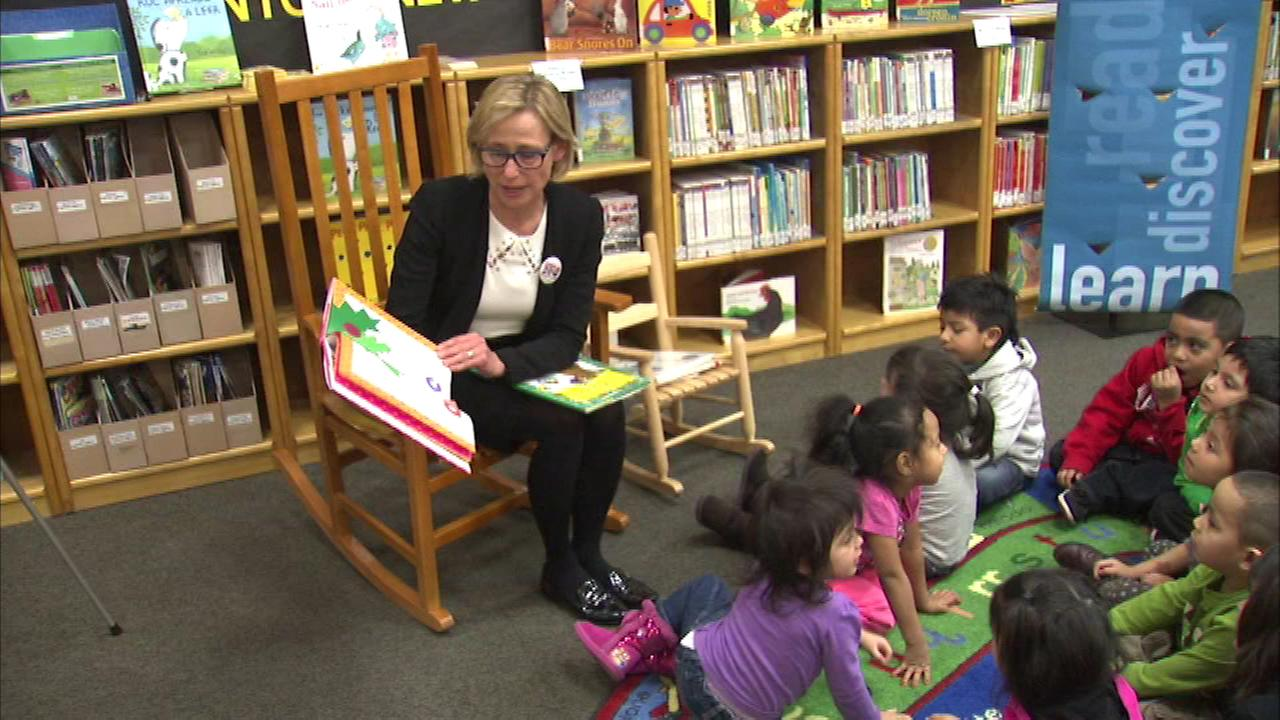 Amy Rule supports Chicago Public Library campaign