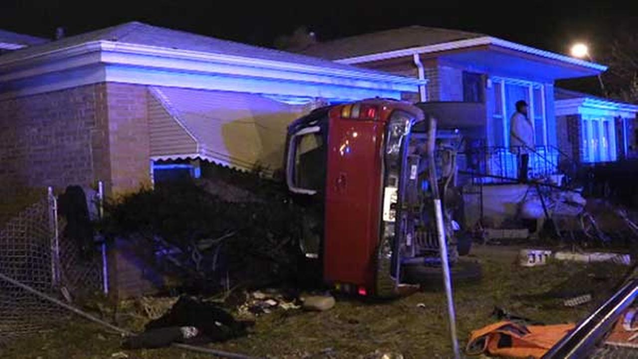 1 killed in Morgan Park truck crash