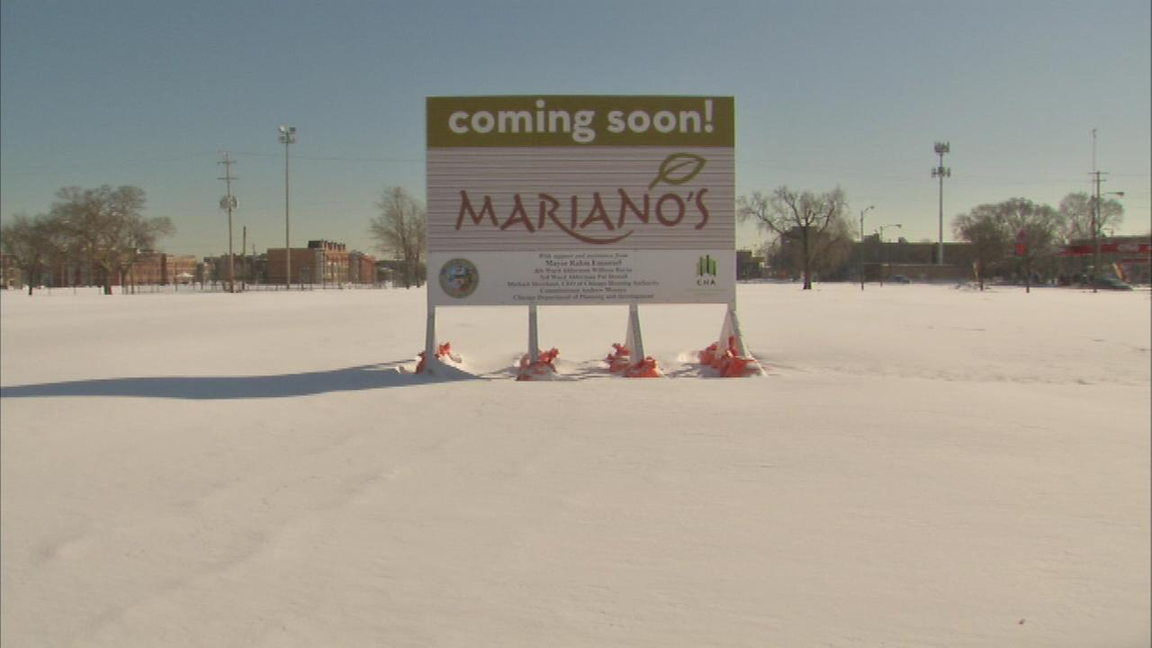 Protesters at the future site of a Marianos store say the land was supposed to be used for low-income housing in the Bronzeville neighborhood at 39th and King Drive.