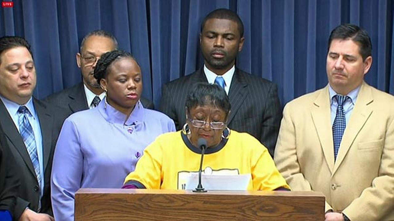 State Rep. Monique Davis calls on Little League to reconsider JRW decision
