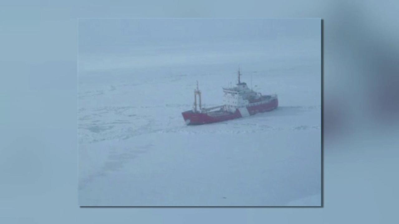 Crews trying to free freighter stuck in Lake Erie ice