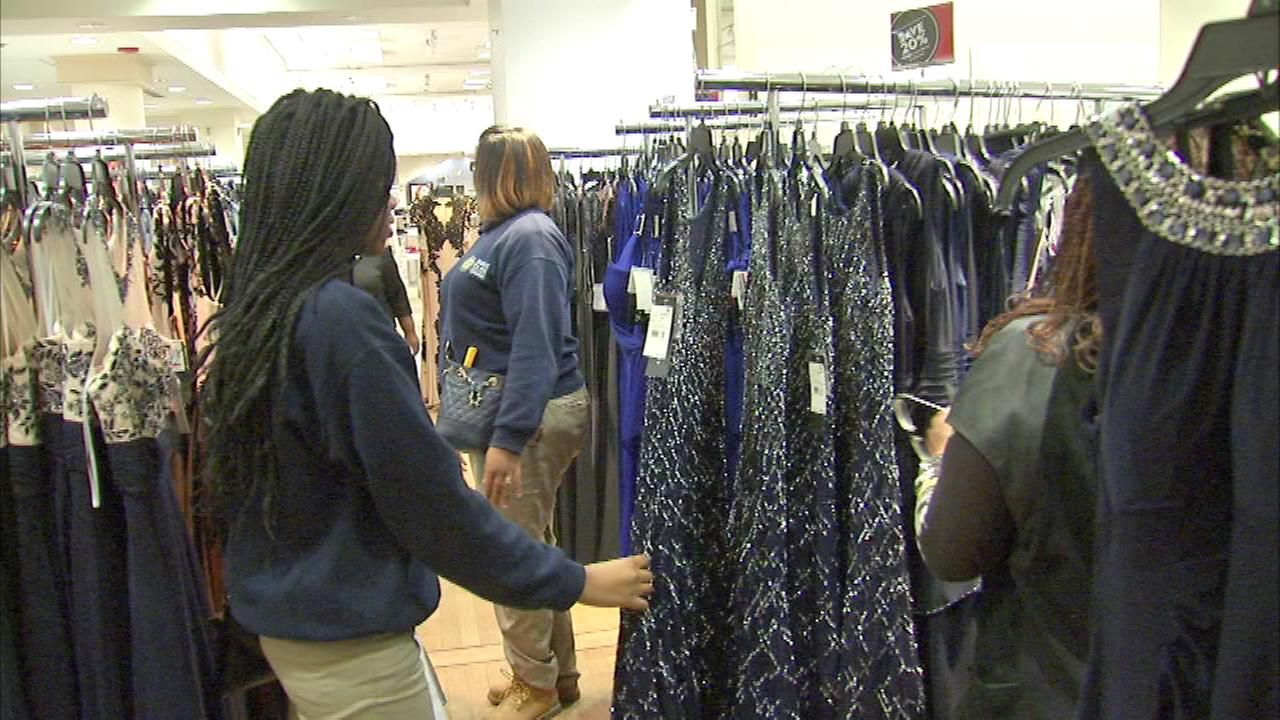 A group of seniors at Rowe Clark Academy on Chicagos West Side got fashion tips at Macys on State.