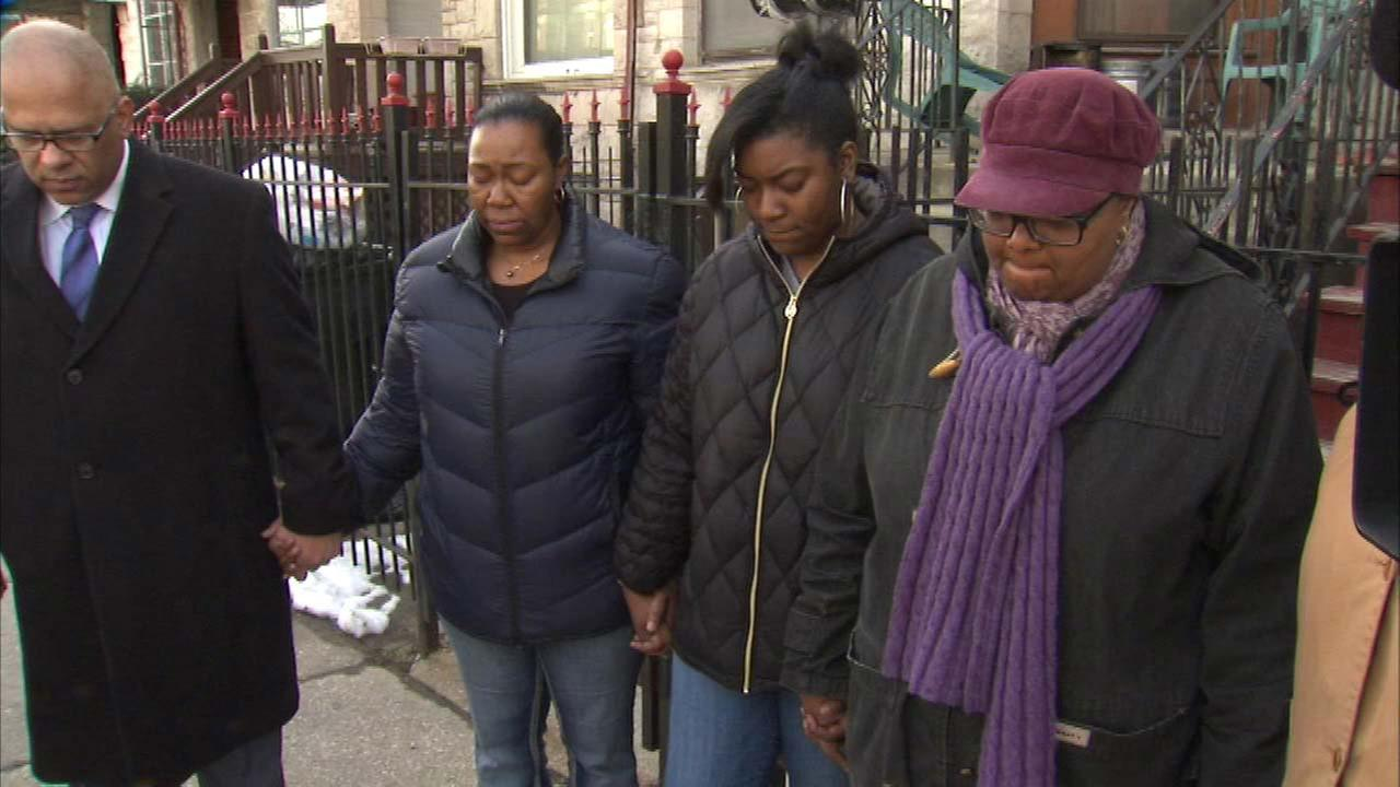 Vigil held for mail carrier shot in East Garfield Park