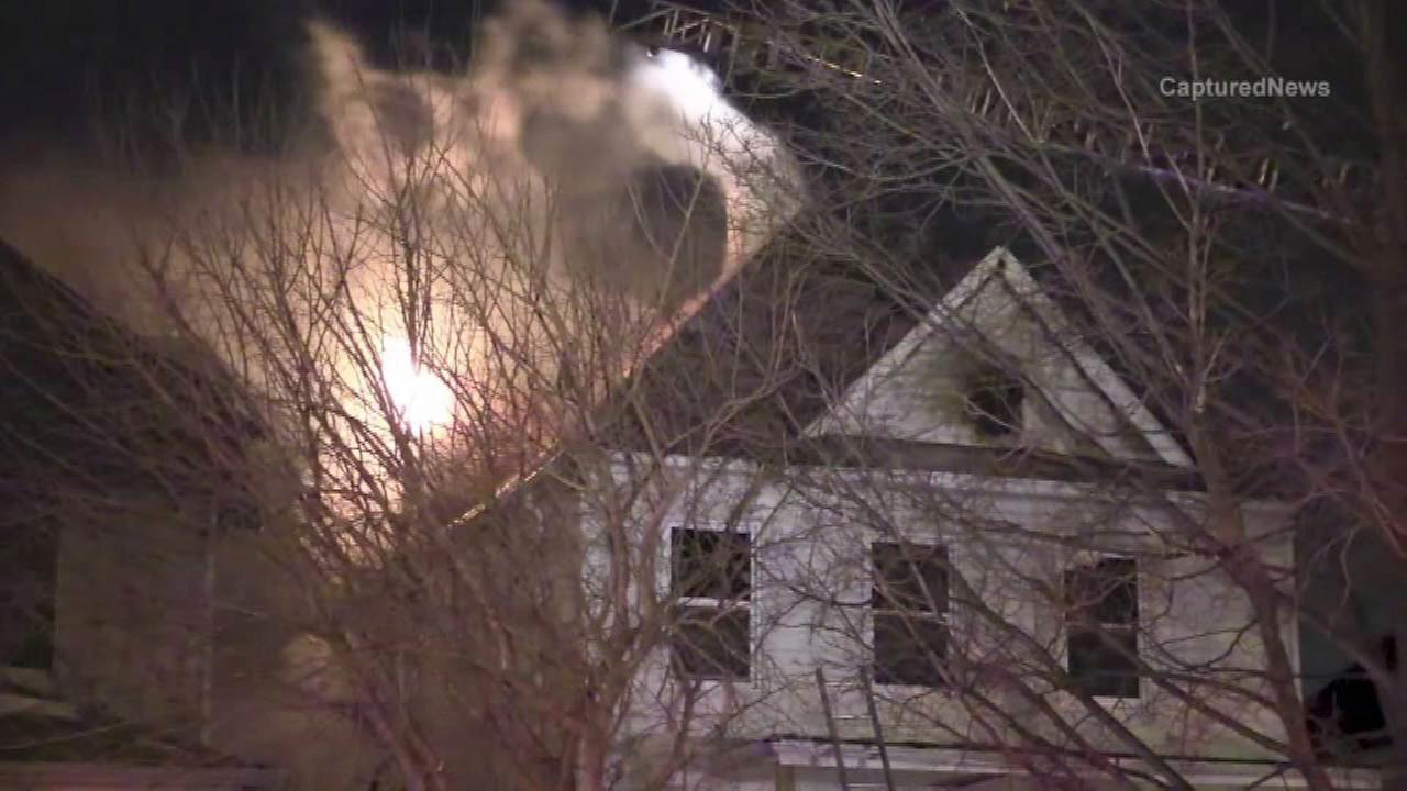 Crews investigate cause of fire in Auburn Gresham