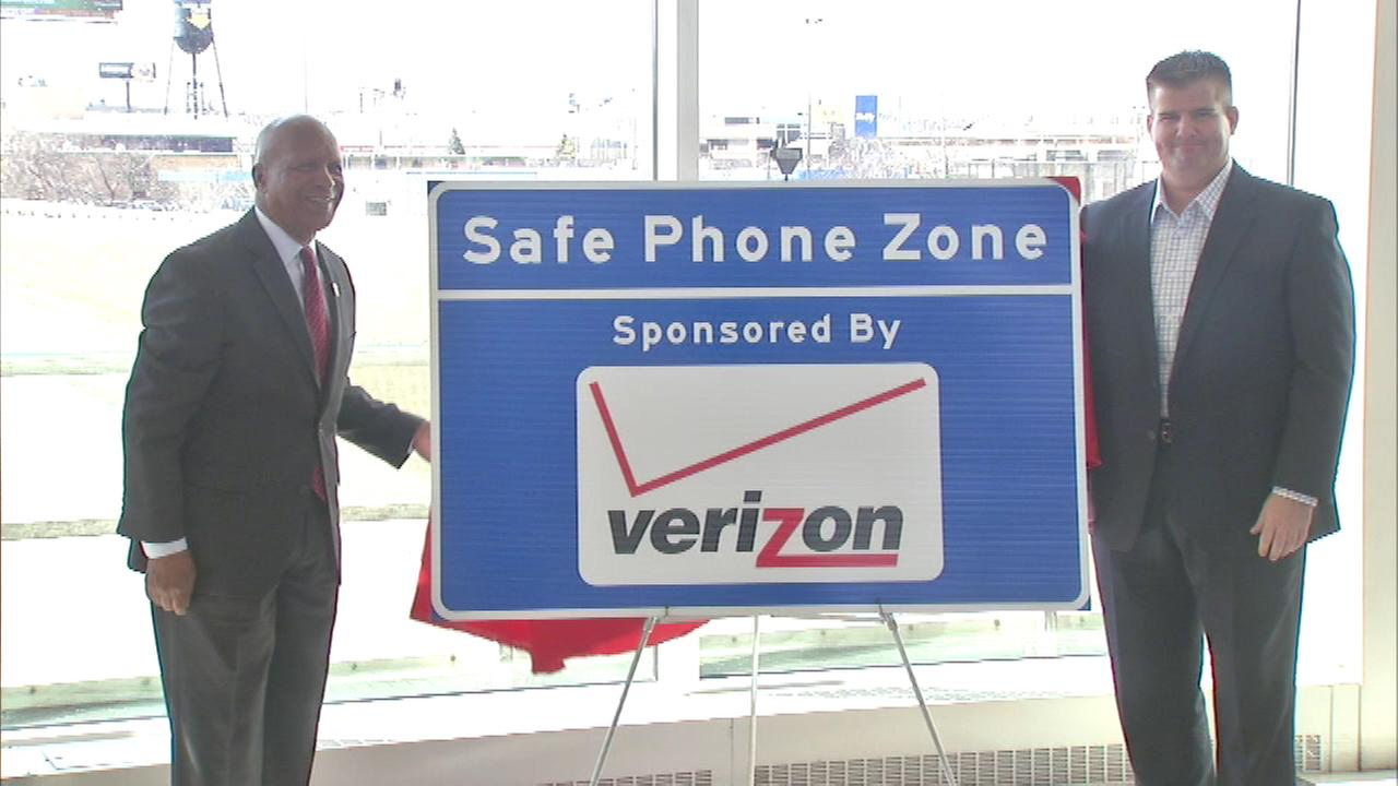 Illinois Tollway reminds drivers of Safe Phone Zones
