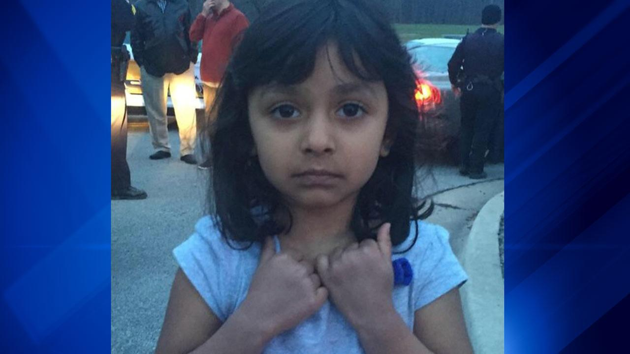 Police seek help identifying girl found in forest preserve