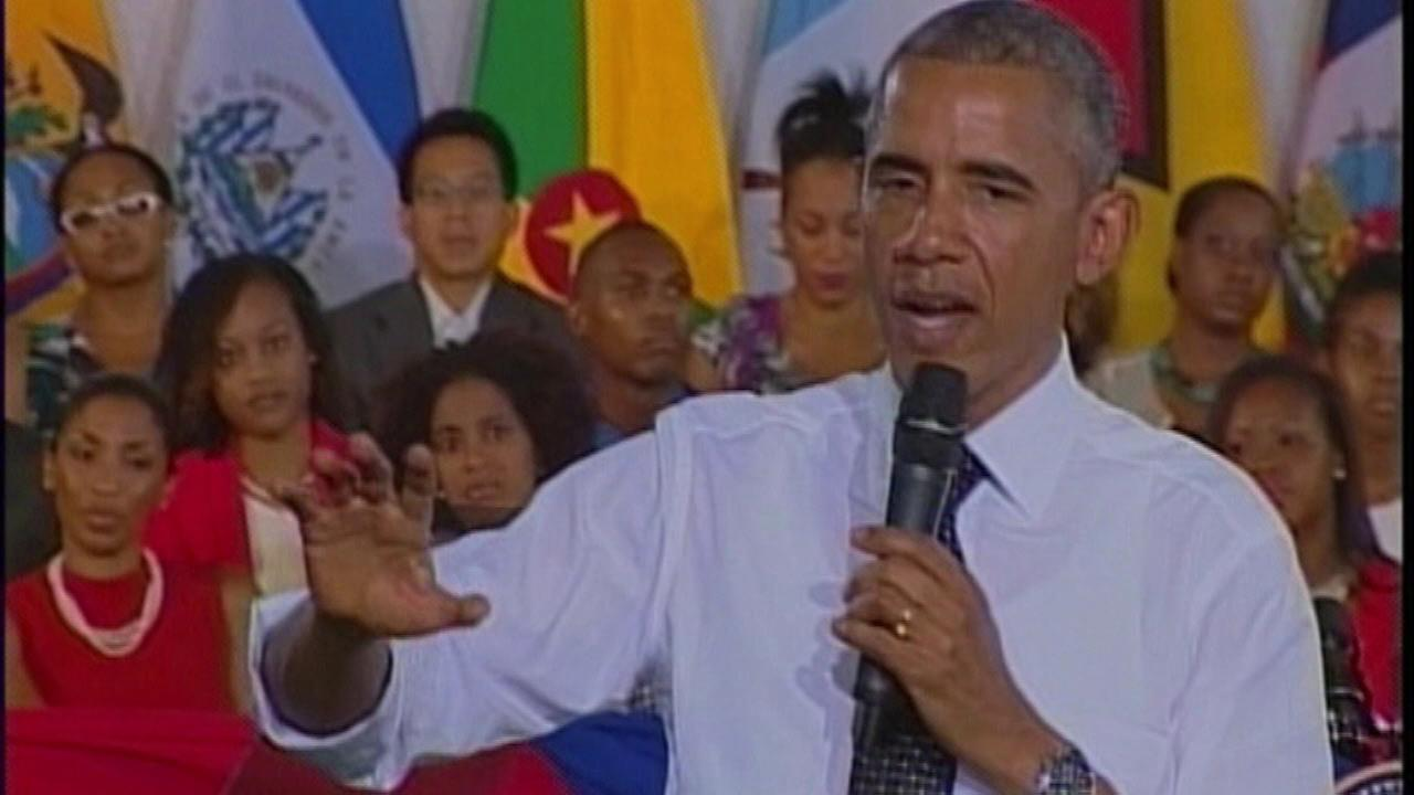Obama comments on Chicago crime during town hall in Jamaica