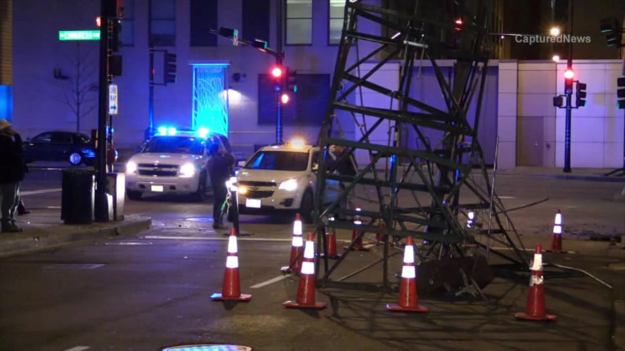 Debris, scaffolding close lanes on Congress Parkway near Chicago Stock Exchange