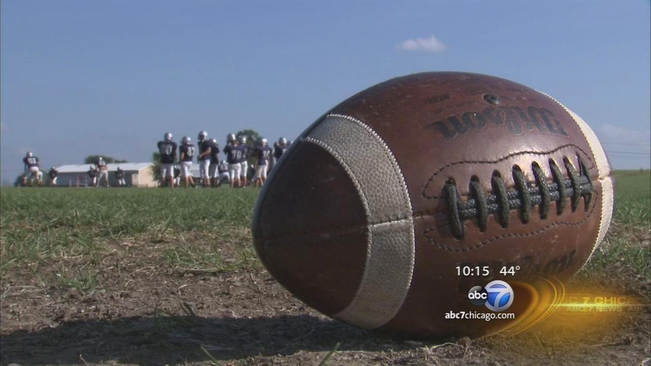 Illinois high schools consider rule to help limit concussions