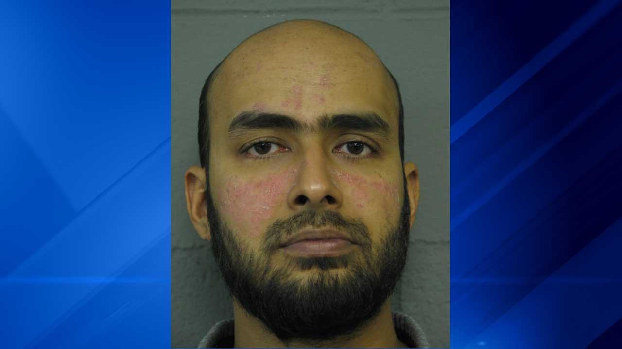 Dad accused of leaving girl, 3, in trash can held on $300K