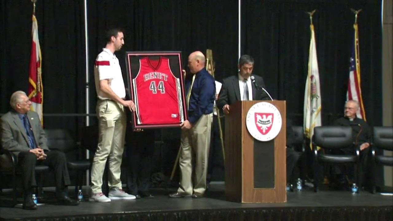 Frank Kaminsky's high school jersey retired in Lisle