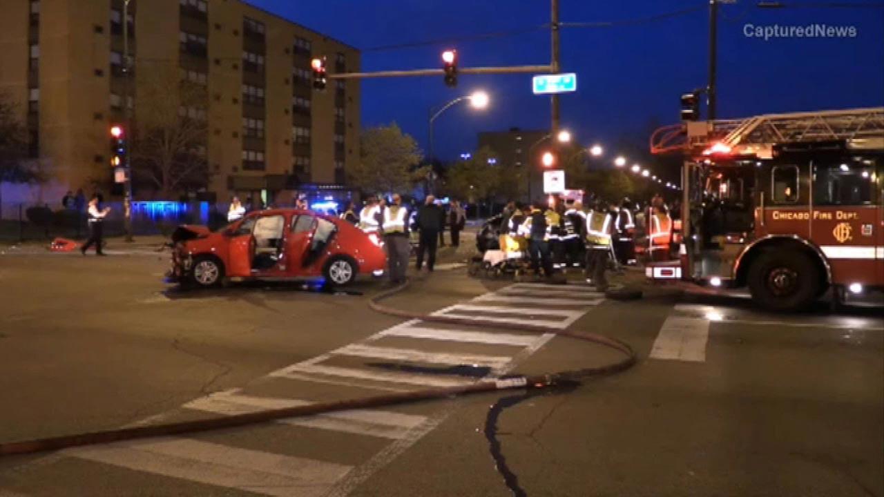 3-car crash injures several in Englewood