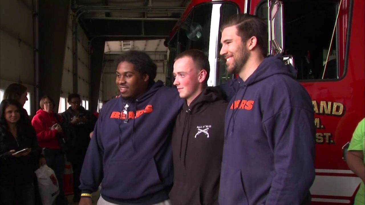 The Chicago Bears are pitching in to help people whose homes were destroyed by tornadoes in northern Illinois earlier this month.