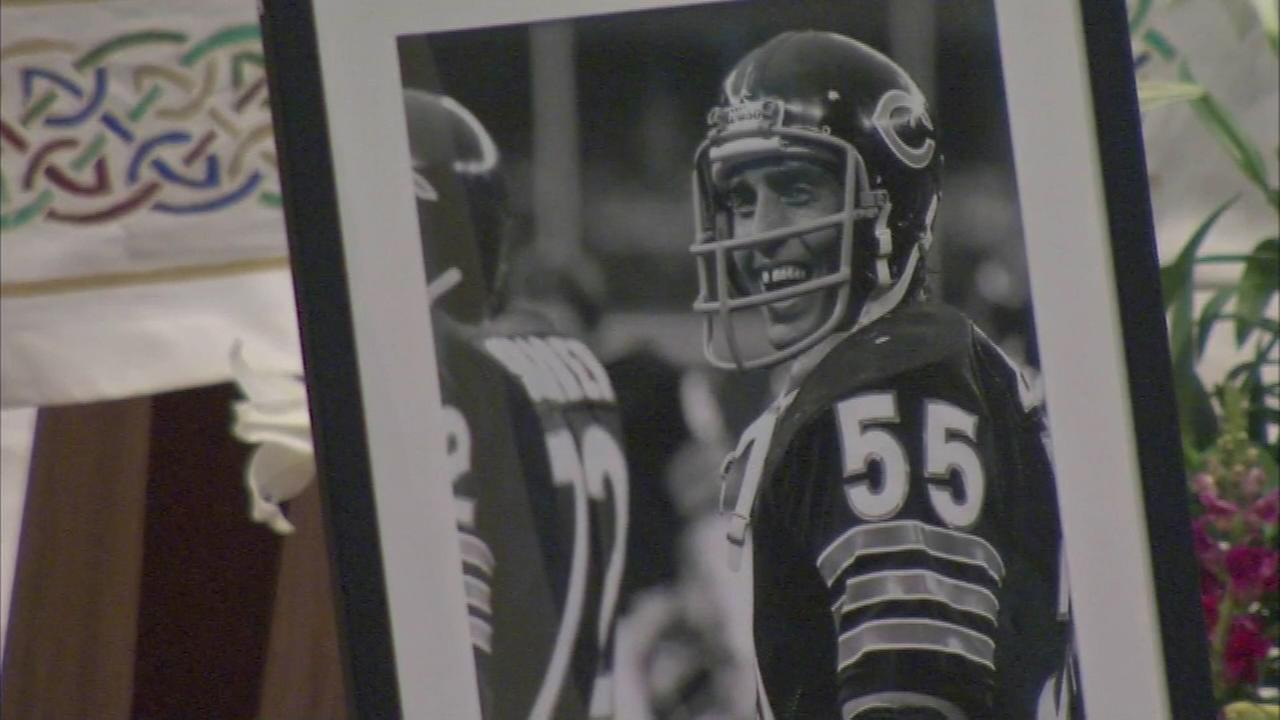 Chicago Bears greats gathered Friday night to remember the late Doug Buffone.