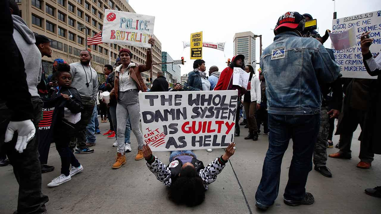 Thousands protest death of Freddie Gray in Baltimore | abc7chicago.com