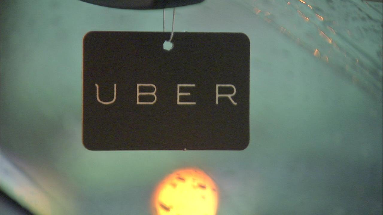 Mayor blocks Uber from making airport pick ups