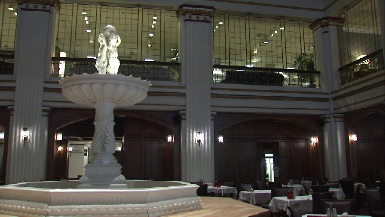 The fountain in the Walnut Room.