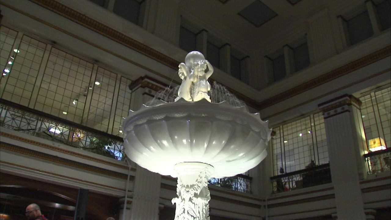 The fountain in Macys Walnut Room is flowing once again for the first time in decades.