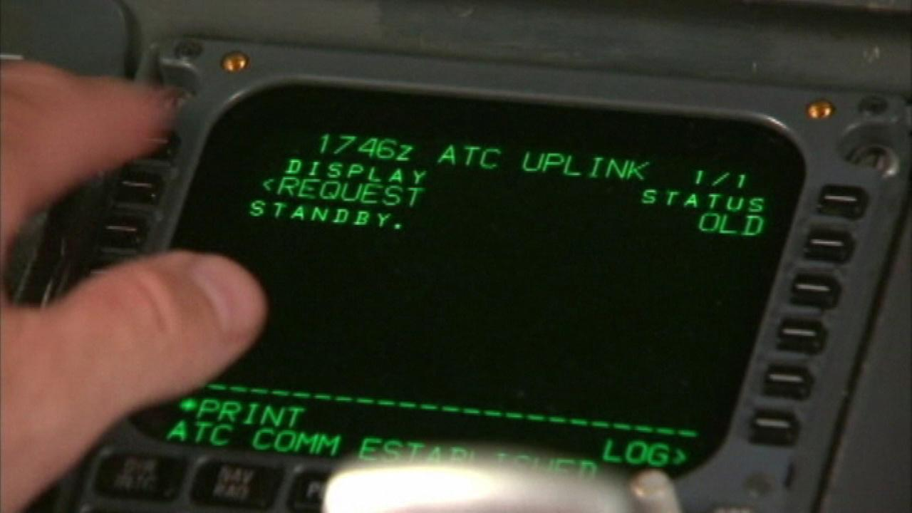 New technology allows air traffic controllers, pilots to communicate via text