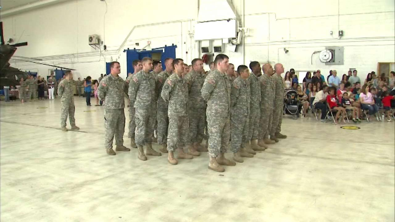 Illinois National Guard members get sendoff before Kuwait deployment