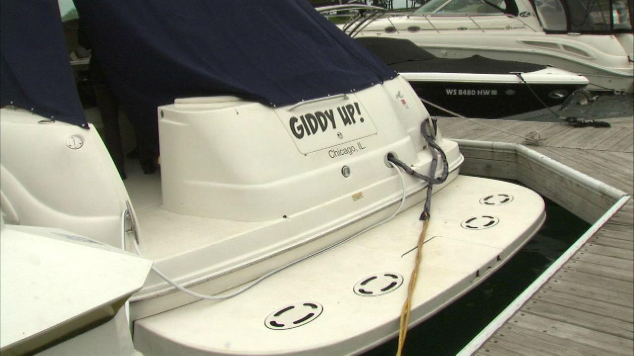 Chicago man discovers squatter living on his boat