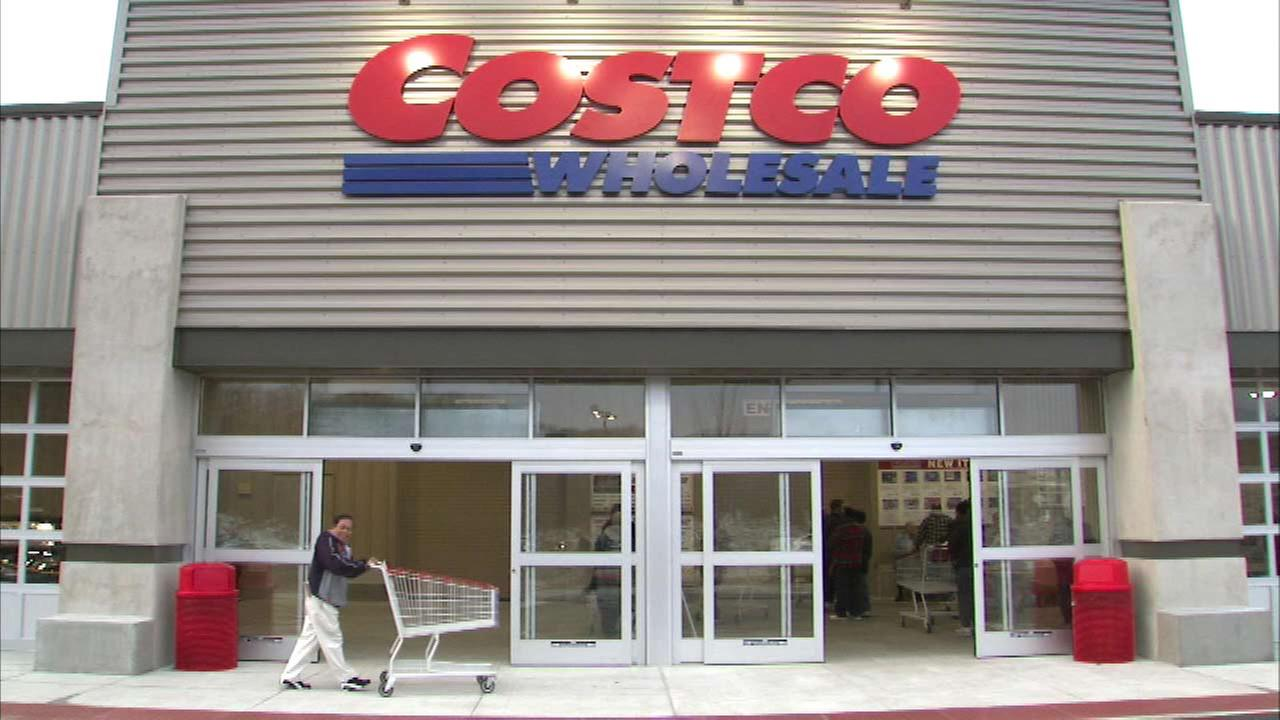 Costco sold 400,000 cars in 2014
