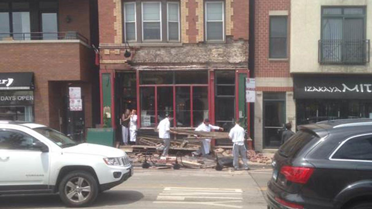 Part of the facade at Le Bouchon in Bucktown collapsed Thursday afternoon. Photo courtesy Bill Sindewald.