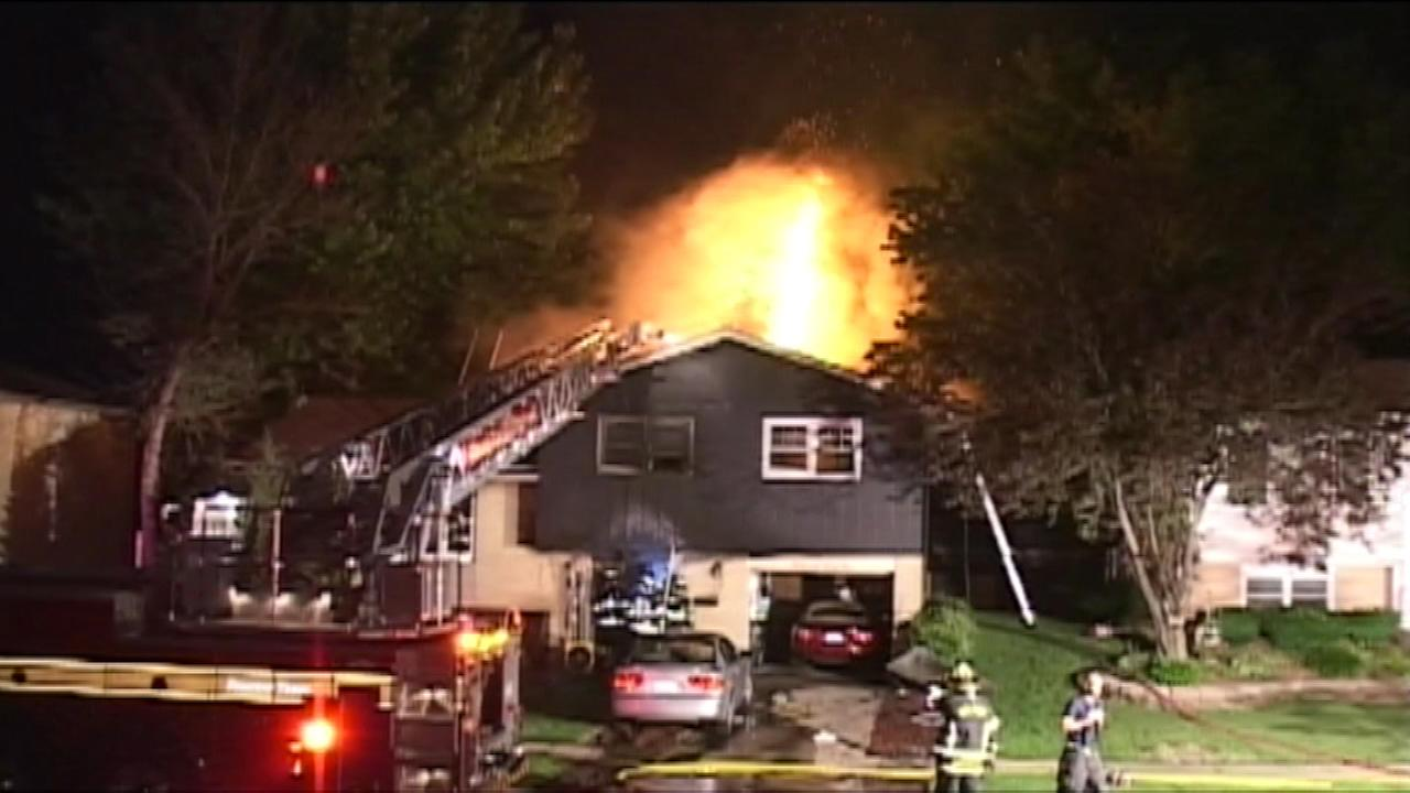 2 jump from window of burning home in Tinley Park