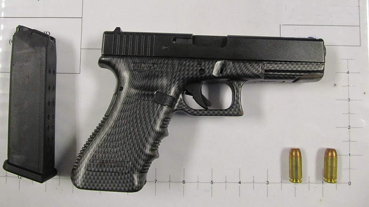 Loaded gun found in man's carry-on bag at Midway Airport, officials say