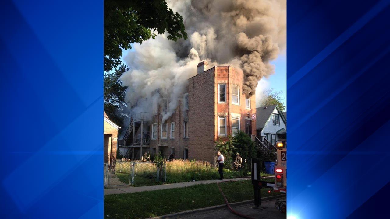 Crews extinguish building fire in Englewood