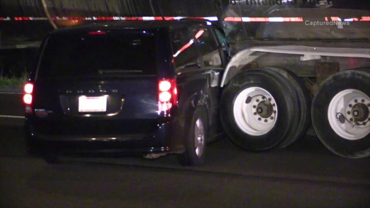 Minivan lodged under semi-truck after I-57 crash