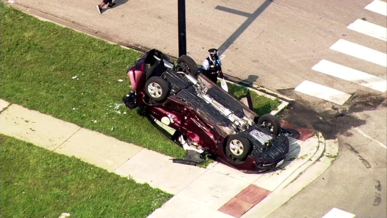 Chicago Fire Department: Three injured in Bronzeville car crash
