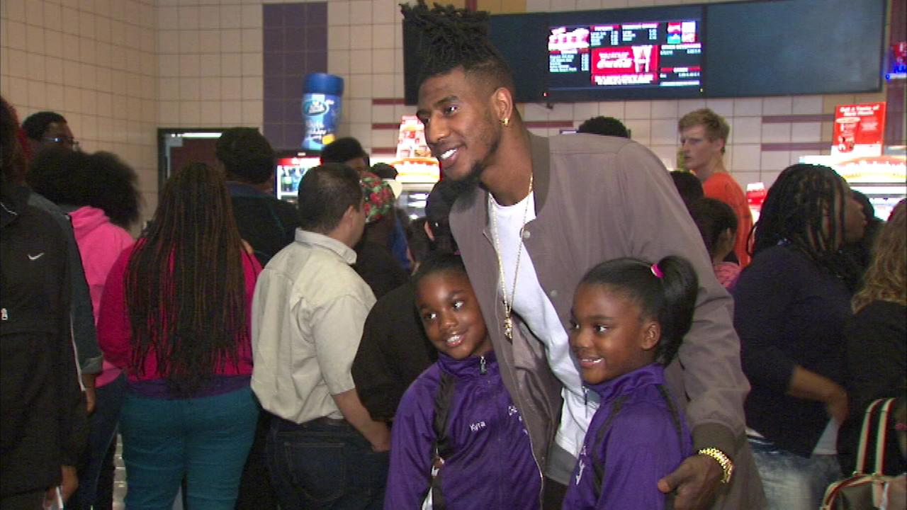 Cleveland Cavaliers guard Iman Shumpert posed with fans before Wednesday nights sneak preview of Minions at the Movies 10 in Melrose Park.