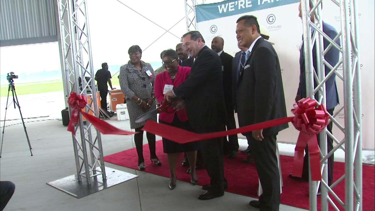 Gary-Chicago Airport opens newly expanded runway