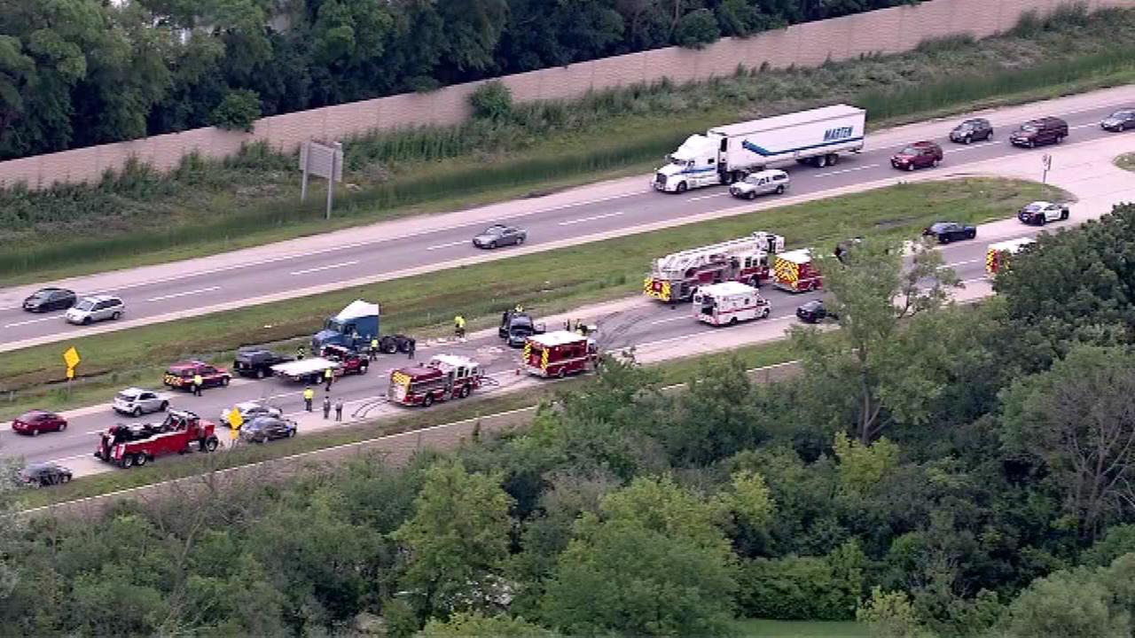 EB Edens Spur lanes reopen after crash injures 7