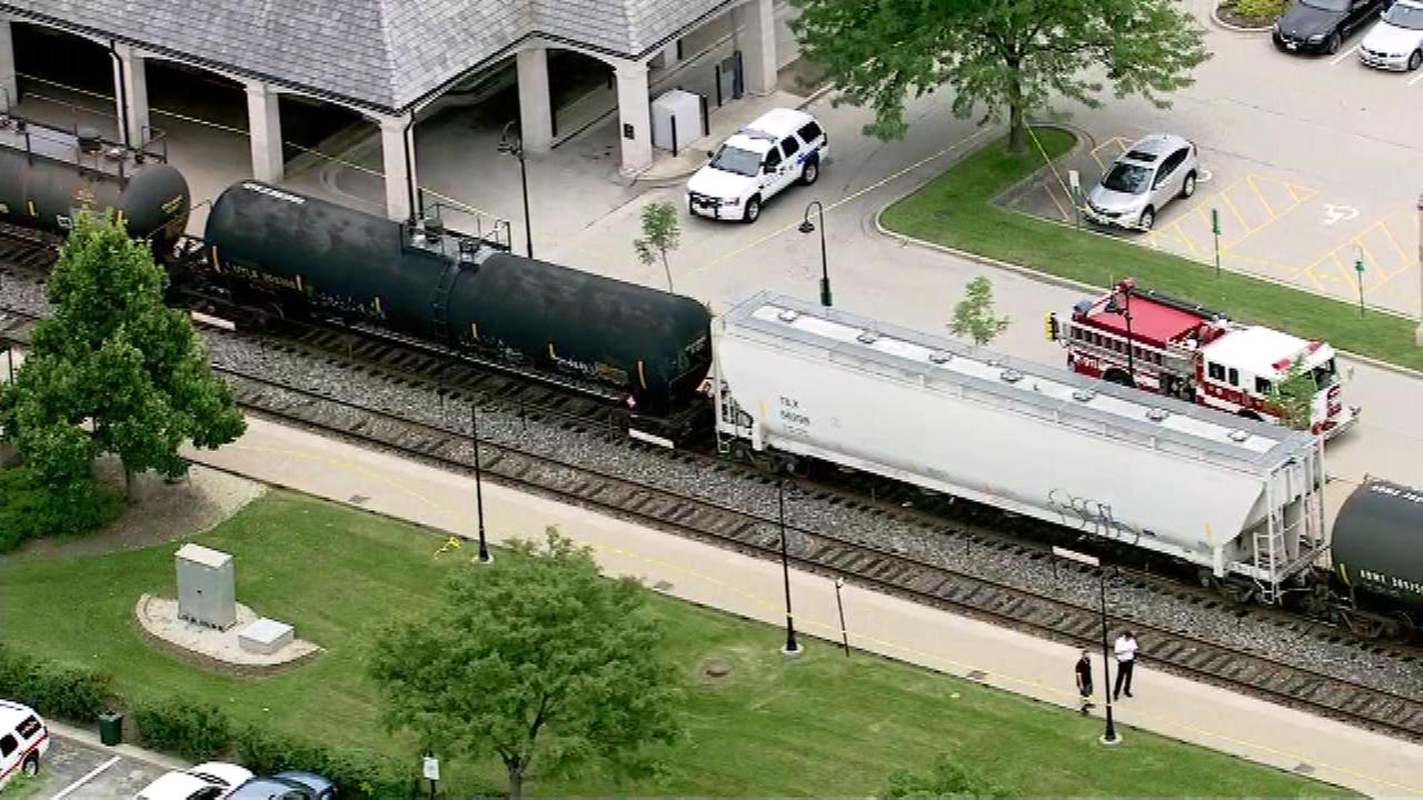 Man, 87, fatally struck by train in Lake Forest