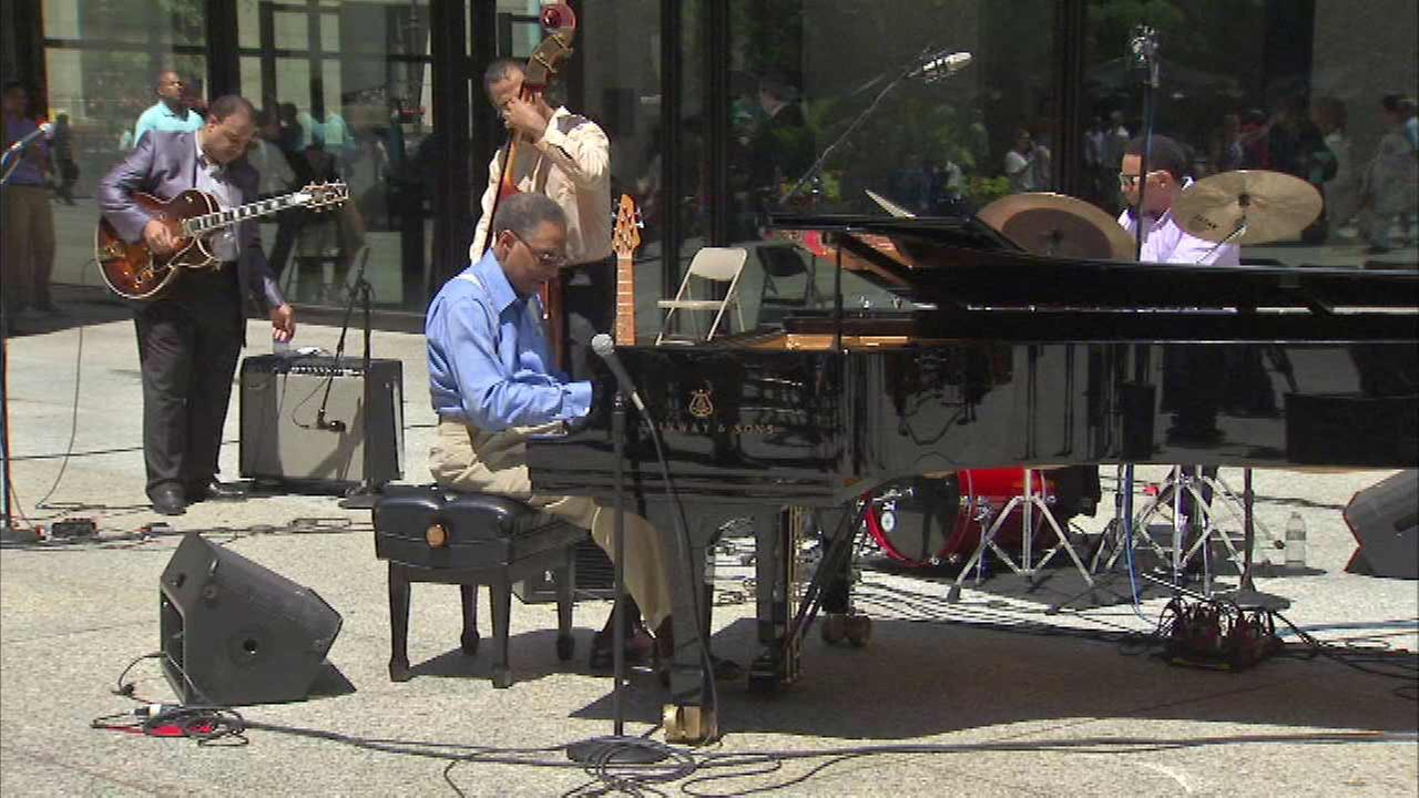 Jazz legend Ramsey Lewis performs in Daley Plaza