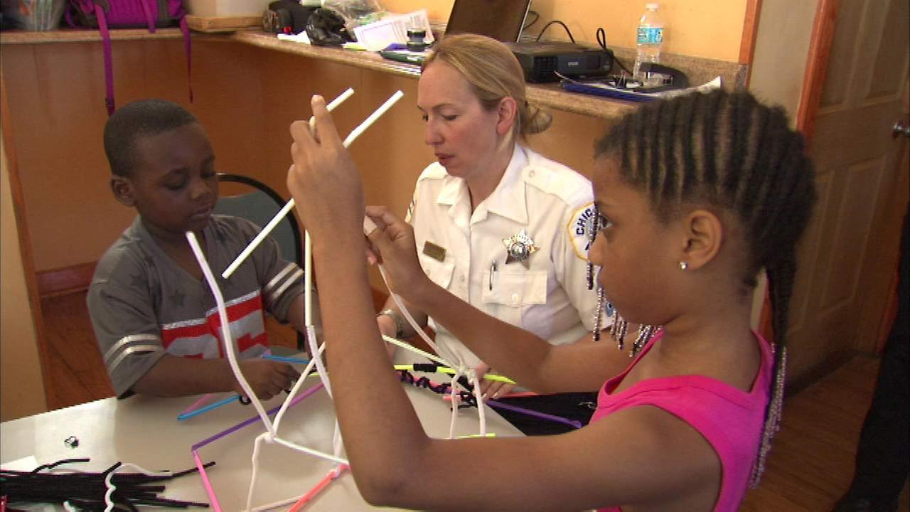 Chicago police form math and science club for Austin children