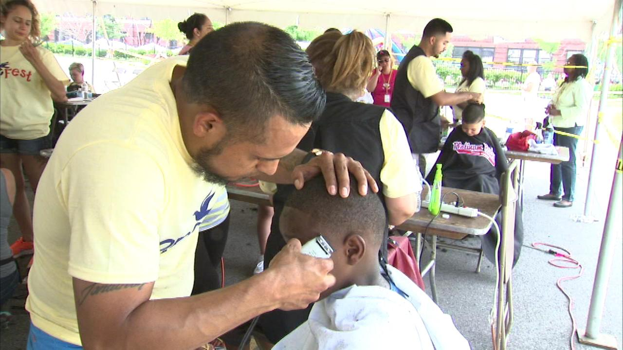A back-to-school event on Chicagos West Side attracted a big crowd Saturday.