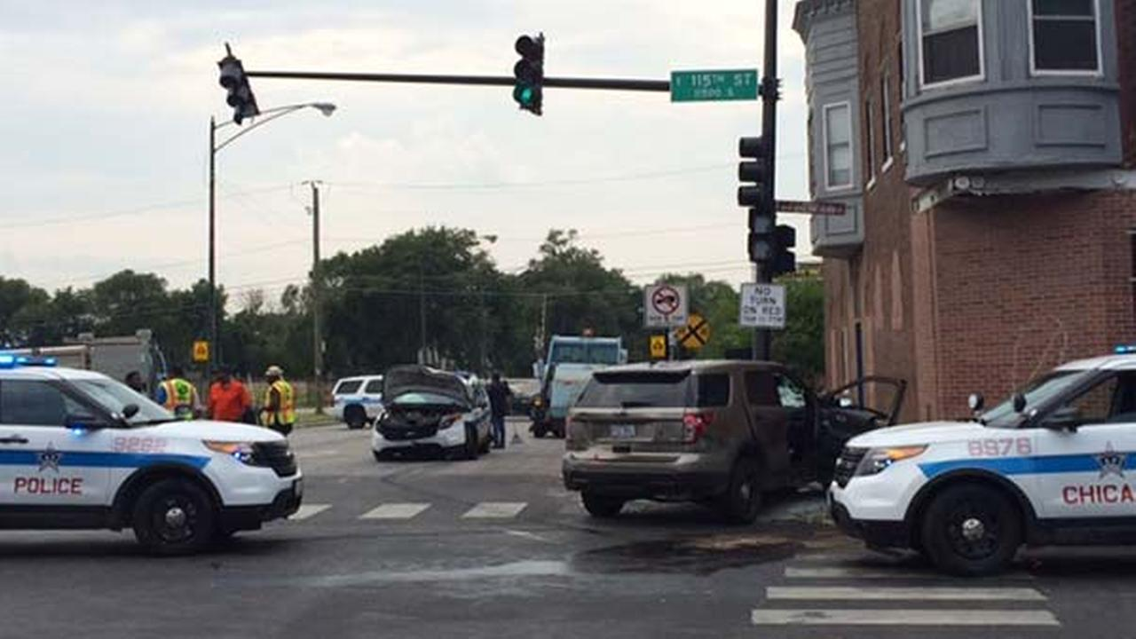 Four Chicago police officers were injured in a crash while they were responding to a call on the citys Far South Side.