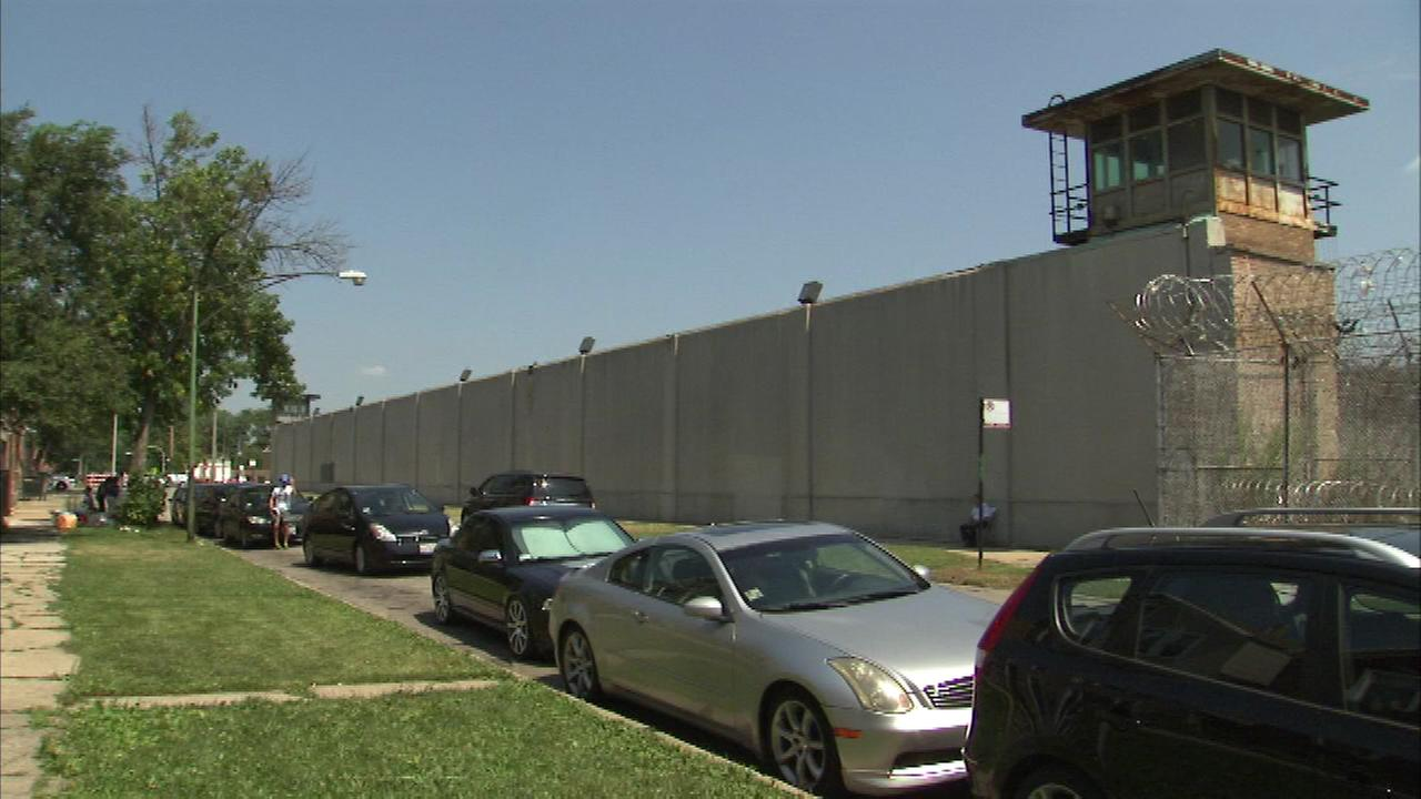 A public art display meant to shed a light on the issue of minorities in prison went up along Sacramento Avenue near 26th Street on the citys Southwest Side.