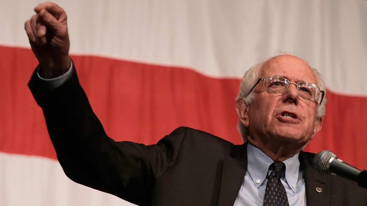 Democratic presidential candidate Bernie Sanders will make a campaign stop in Chicago Monday.