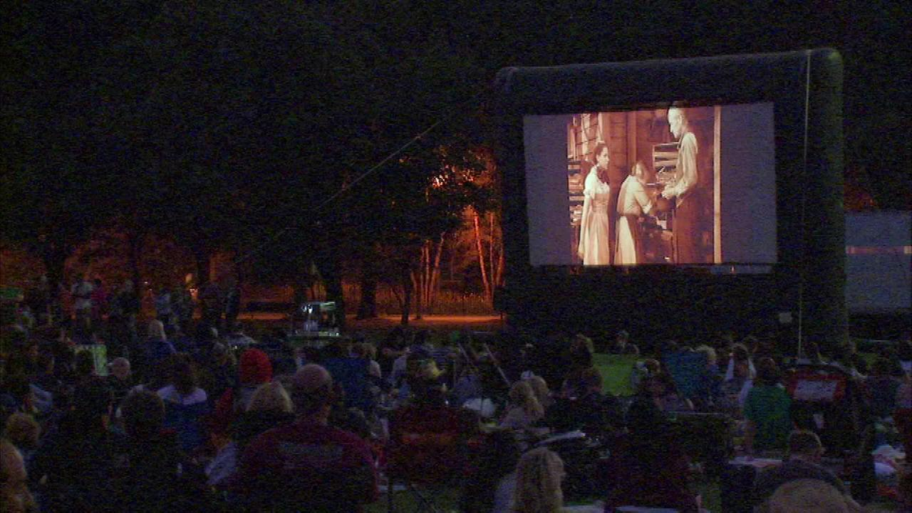 Theres no place like Oz Park to watch the classic film The Wizard of Oz.