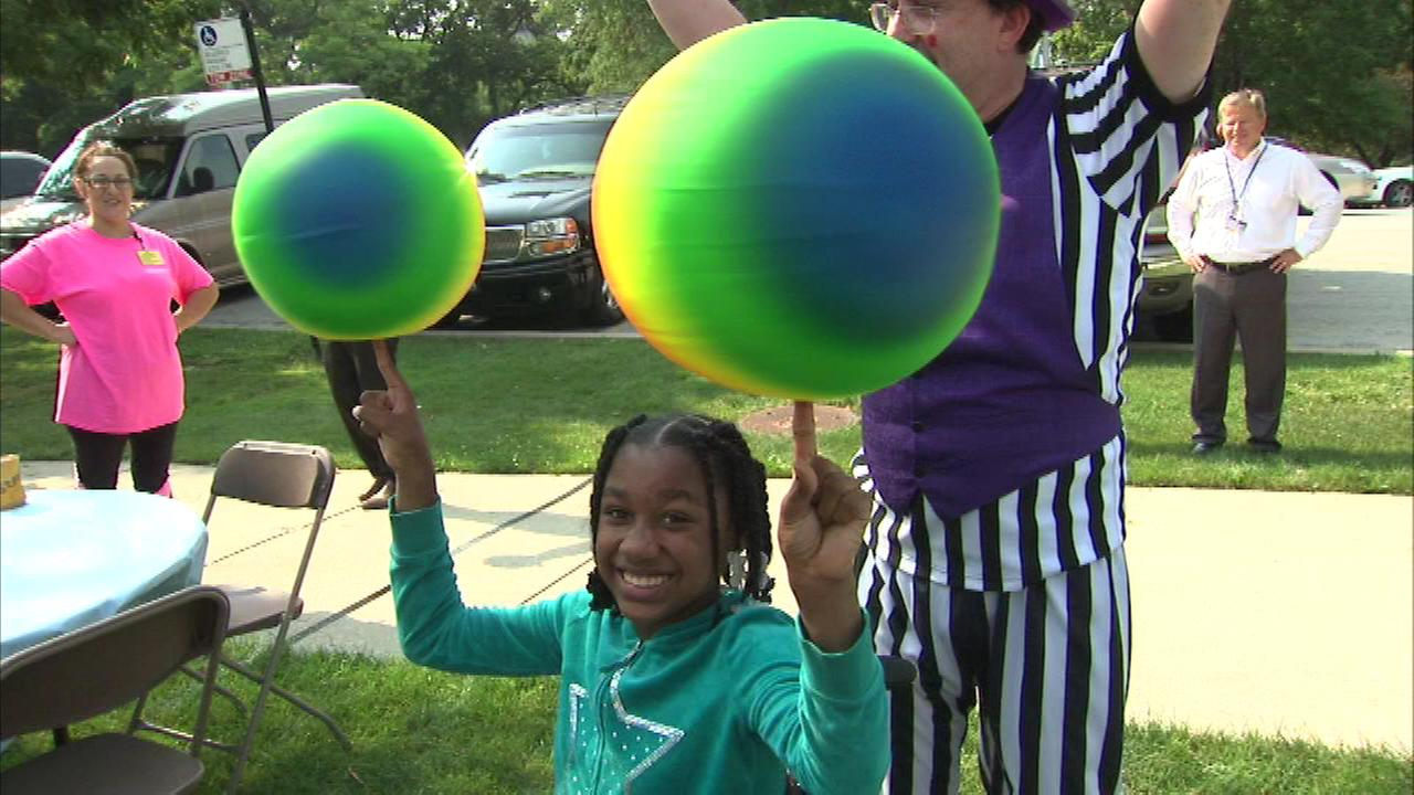 A young girl finds a unique way to raise funds for La Rabida Childrens Hospital in Chicago.