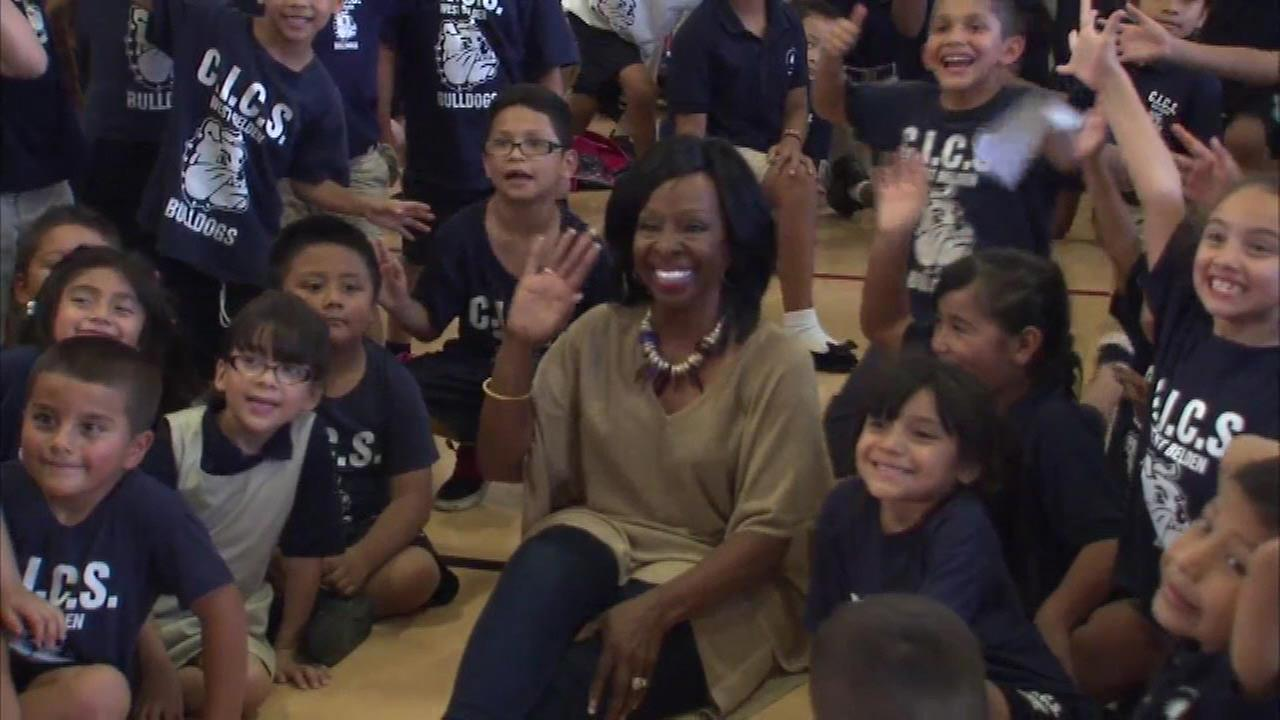 Soul legend Gladys Knight visits Chicago charter school