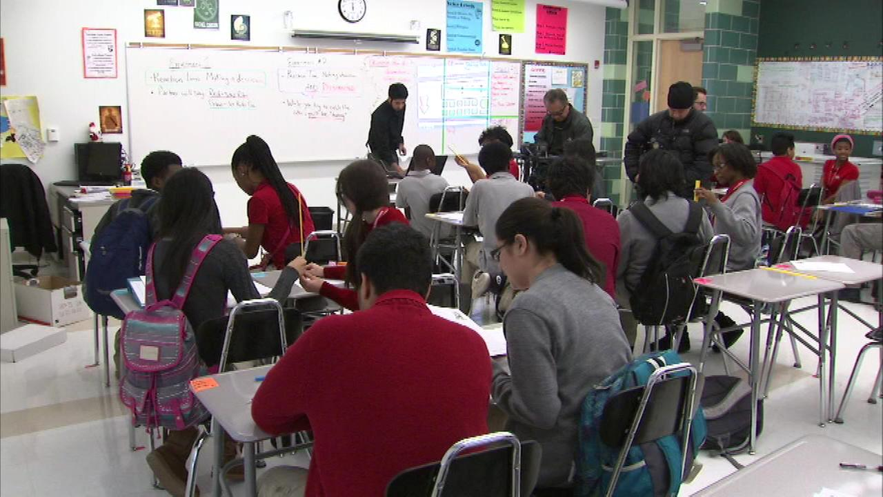 Civics classes new requirement for graduation in Illinois
