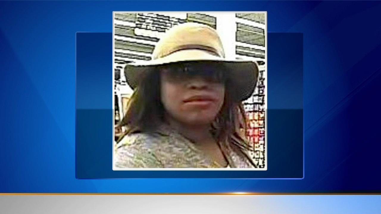 A woman suspected of robbing three banks on Chicagos North Side has been captured.