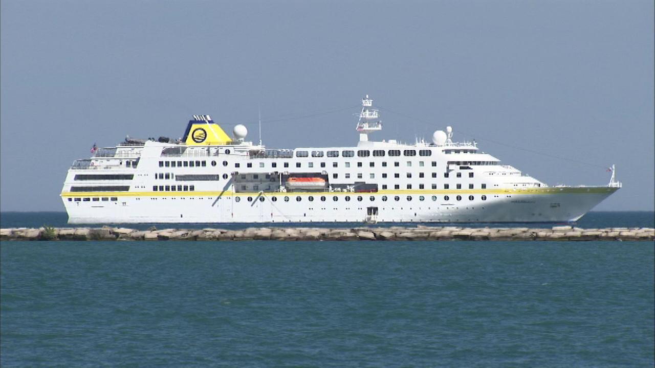 chicago cruise ship